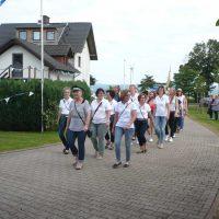 Feldwebel Rita Vössing mit der Frauenkompanie